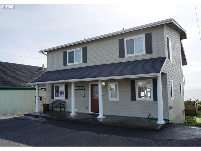 5215 NW Jetty Ave, Lincoln City, OR 97367 (MLS #18470402) :: The Dale Chumbley Group