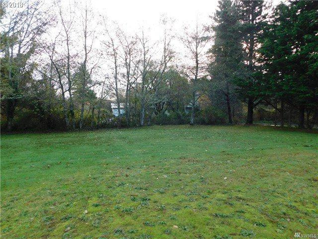 1313 33RD St, Seaview, WA 98644 (MLS #18472657) :: Cano Real Estate