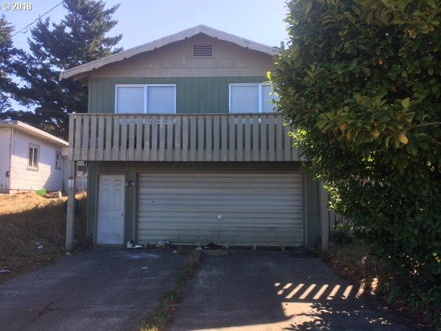 335 S Wasson, Coos Bay, OR 97420 (MLS #18480725) :: Townsend Jarvis Group Real Estate