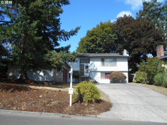 6755 Doncaster Dr, Gladstone, OR 97027 (MLS #18486578) :: Realty Edge