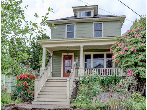 3367 SE 13TH Ave, Portland, OR 97202 (MLS #18490228) :: R&R Properties of Eugene LLC
