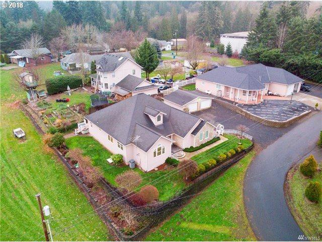 215 Paxton Rd, Kelso, WA 98626 (MLS #18496997) :: Cano Real Estate