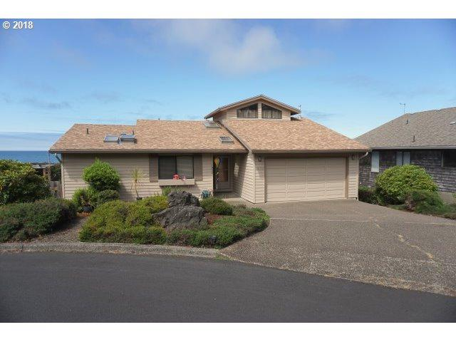 1932 NE Spindrift Ct, Lincoln City, OR 97367 (MLS #18503638) :: Hatch Homes Group