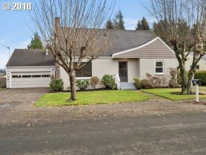 809 Williams Ave, Tillamook, OR 97141 (MLS #18511644) :: Townsend Jarvis Group Real Estate