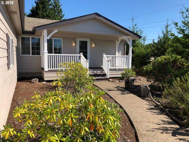 615 38TH Pl, Florence, OR 97439 (MLS #18525370) :: Cano Real Estate