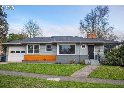 6230 SW 45TH Ave, Portland, OR 97221 (MLS #18529269) :: Hatch Homes Group