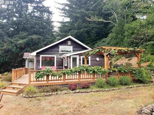 8451 NE Highland Rd, Lincoln City, OR 97367 (MLS #18549597) :: Song Real Estate