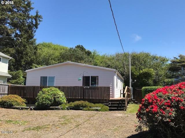 6920 Glen Ave, Gleneden Beach, OR 97388 (MLS #18553227) :: R&R Properties of Eugene LLC