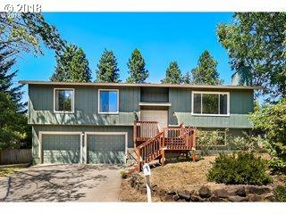 9175 SE Lynn Ln, Happy Valley, OR 97086 (MLS #18566851) :: Hatch Homes Group