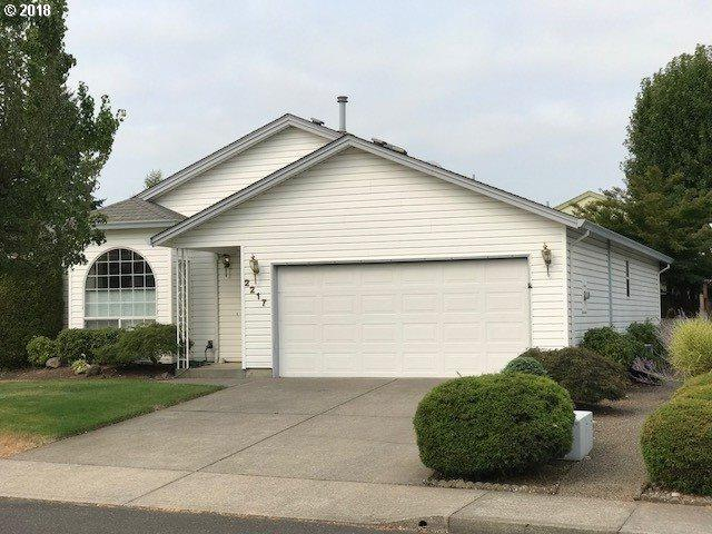 2217 NE 157TH Ave, Portland, OR 97230 (MLS #18567243) :: Next Home Realty Connection