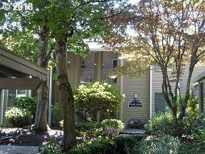 8244 SW Woodbridge Ct, Wilsonville, OR 97070 (MLS #18586571) :: Homehelper Consultants
