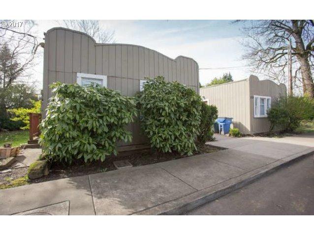 2124 Main St, Washougal, WA 98671 (MLS #18586789) :: Hatch Homes Group