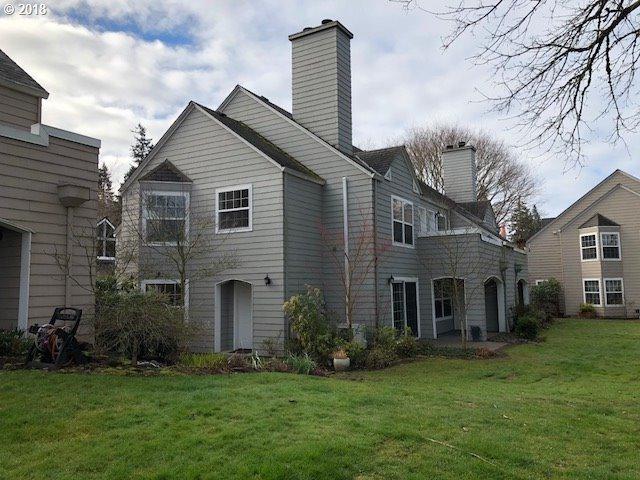 8535 SW Curry Dr D, Wilsonville, OR 97070 (MLS #18589612) :: Beltran Properties at Keller Williams Portland Premiere