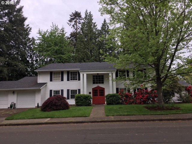 9595 SW Whitford Ln #4, Beaverton, OR 97008 (MLS #18602686) :: The Sadle Home Selling Team