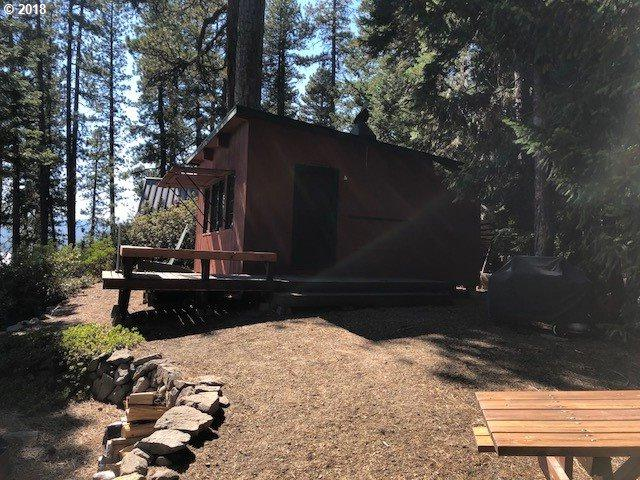 25372 Crescent Lake Rd, Crescent Lake, OR 97733 (MLS #18636992) :: Hatch Homes Group