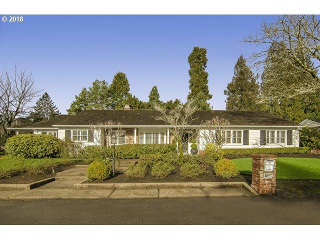 7785 SW Fairmoor St, Portland, OR 97225 (MLS #18642850) :: Hatch Homes Group