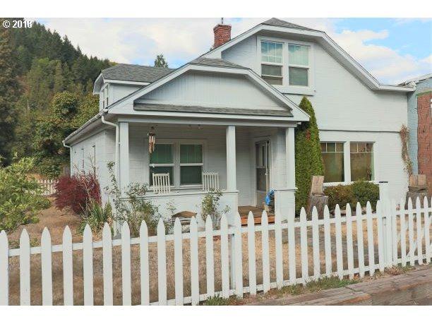 47393 Hwy 58, Oakridge, OR 97463 (MLS #18667587) :: Song Real Estate