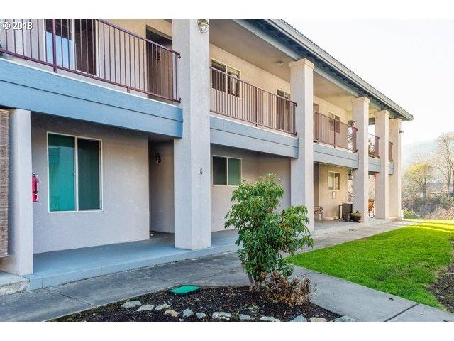 815 Pine St Apt 3, Rogue River, OR 97537 (MLS #18668156) :: HomeSmart Realty Group