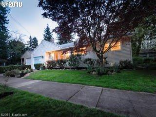 5504 SE Insley St, Portland, OR 97206 (MLS #18672191) :: Team Zebrowski