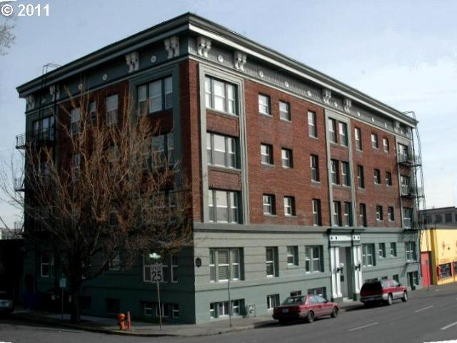 1631 NW Everett St #305, Portland, OR 97209 (MLS #18697261) :: Next Home Realty Connection
