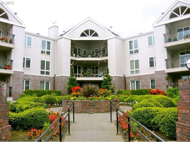 15530 NE Knott St #38, Portland, OR 97230 (MLS #19016424) :: Townsend Jarvis Group Real Estate