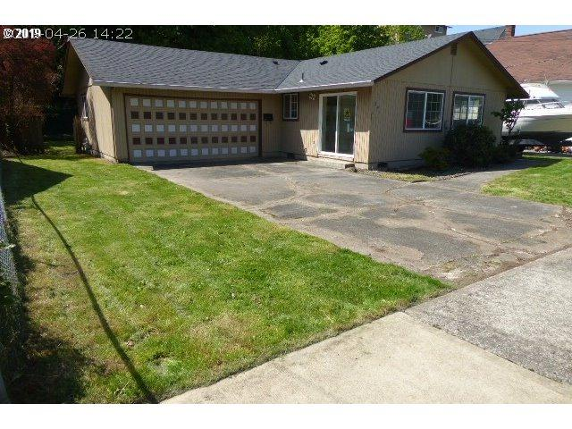 291 S 4TH St, St. Helens, OR 97051 (MLS #19021511) :: Next Home Realty Connection