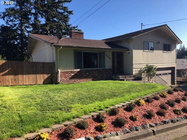 2739 D St, North Bend, OR 97459 (MLS #19031854) :: Fox Real Estate Group