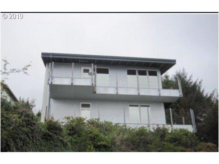 536 Pacific View Dr, Rockaway Beach, OR 97136 (MLS #19037181) :: The Galand Haas Real Estate Team