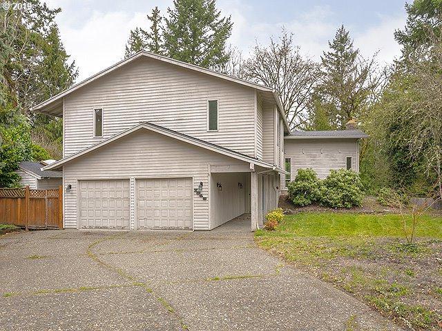 7345 SW Pineridge Ct, Portland, OR 97225 (MLS #19037892) :: Premiere Property Group LLC