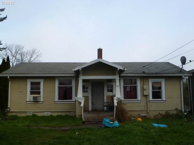 444 S 6TH St, St. Helens, OR 97051 (MLS #19067984) :: Change Realty