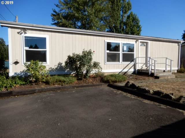 540 N Douglas St, Cottage Grove, OR 97424 (MLS #19069192) :: Song Real Estate
