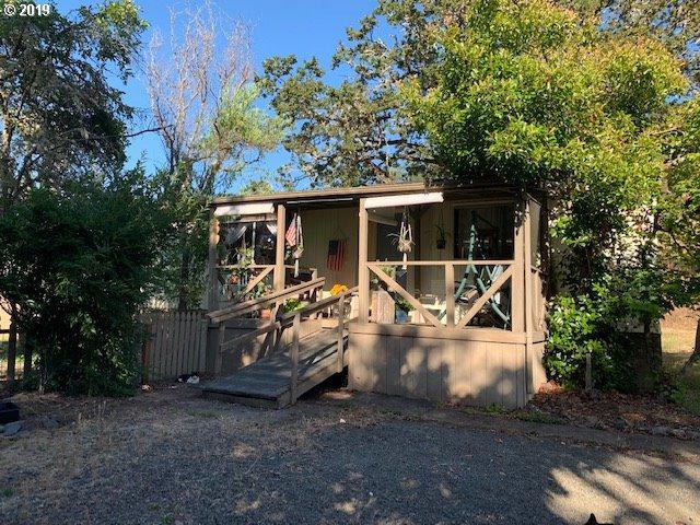 2500 SE Eagles Rest Ave, Roseburg, OR 97470 (MLS #19089137) :: R&R Properties of Eugene LLC