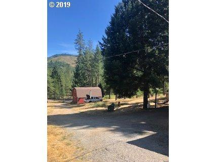 12323 East Evans Cr Rd, Rogue River, OR 97537 (MLS #19094647) :: Realty Edge