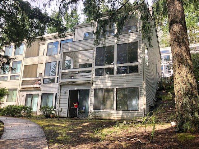 4410 Thunder Vista Ln, Lake Oswego, OR 97035 (MLS #19095639) :: Matin Real Estate Group