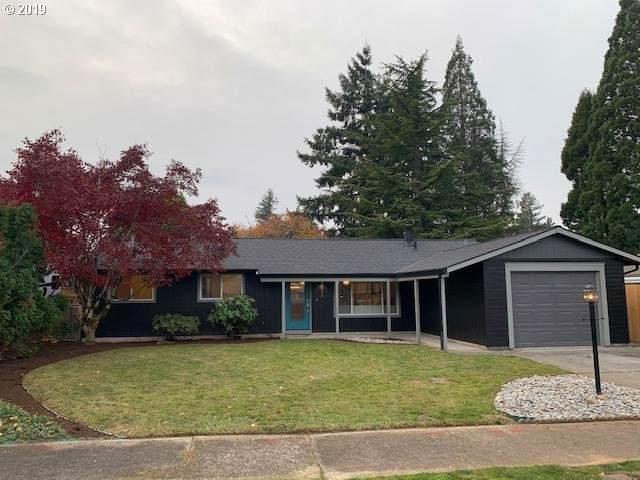 935 NE 193RD Ave, Portland, OR 97230 (MLS #19134410) :: Change Realty
