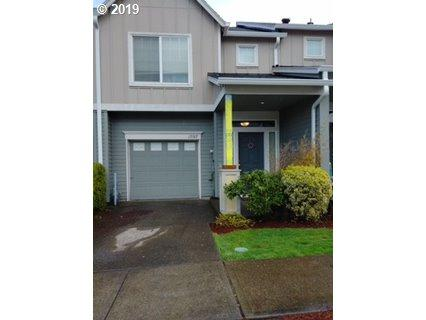 17197 SW Berkeley Ln, Beaverton, OR 97003 (MLS #19148207) :: Fendon Properties Team