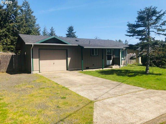 2032 Willow St, Florence, OR 97439 (MLS #19157593) :: McKillion Real Estate Group