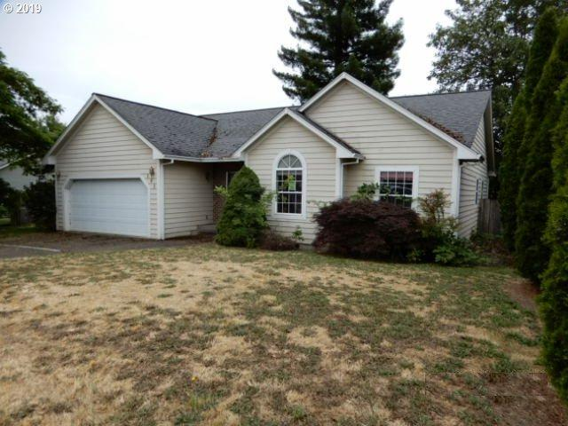 191 Emerald St, Sutherlin, OR 97479 (MLS #19167033) :: Team Zebrowski