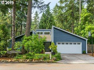 4960 Centerwood St, Lake Oswego, OR 97035 (MLS #19180055) :: Brantley Christianson Real Estate