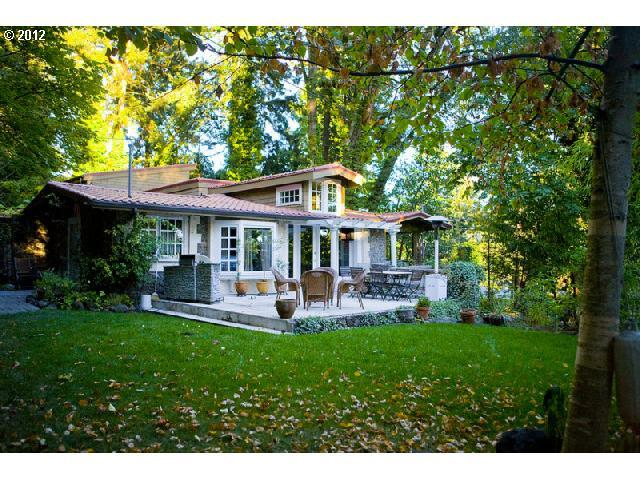 2801 Lakeview Blvd, Lake Oswego, OR 97035 (MLS #19182663) :: The Sadle Home Selling Team