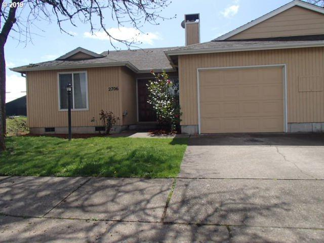 2706 Dayna Ln, Eugene, OR 97408 (MLS #19196774) :: The Galand Haas Real Estate Team