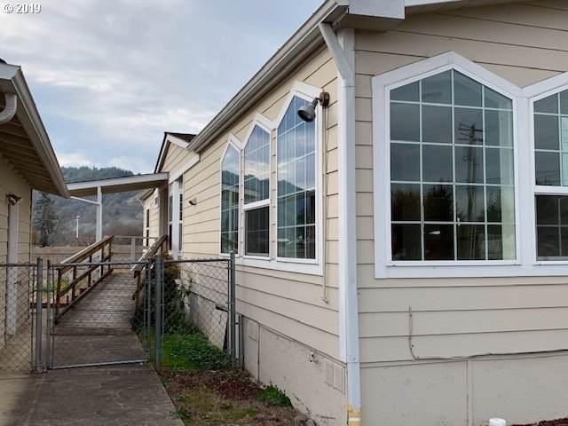 328 Columbia Loop Rd, Roseburg, OR 97471 (MLS #19203923) :: R&R Properties of Eugene LLC