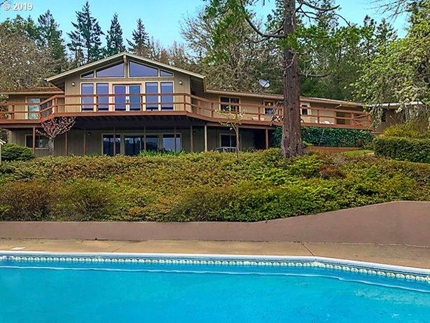 3791 Olalla Rd, Winston, OR 97496 (MLS #19235606) :: Townsend Jarvis Group Real Estate