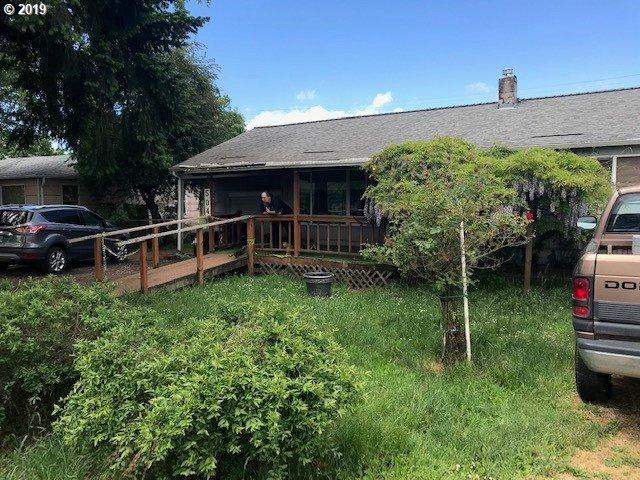 504 32ND St, Springfield, OR 97478 (MLS #19242091) :: Fendon Properties Team