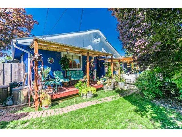 487 Harrison St, Lebanon, OR 97355 (MLS #19247051) :: Townsend Jarvis Group Real Estate