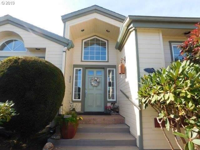 3887 Natalie Way, Bandon, OR 97411 (MLS #19267799) :: Townsend Jarvis Group Real Estate