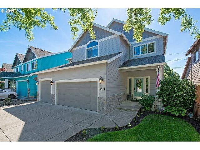 3219 Antonia Way, Newberg, OR 97132 (MLS #19312526) :: McKillion Real Estate Group