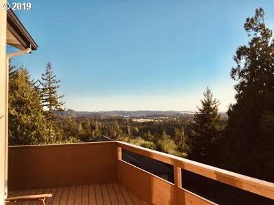 3615 Ocean View Dr, Florence, OR 97439 (MLS #19315047) :: McKillion Real Estate Group