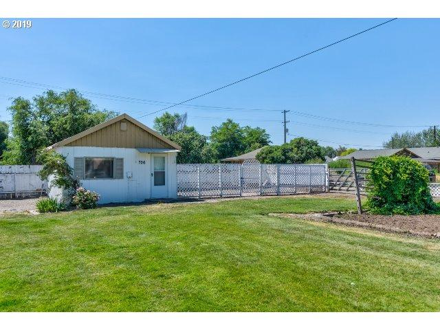 706 NE 8TH St, Prineville, OR 97754 (MLS #19326297) :: Cano Real Estate