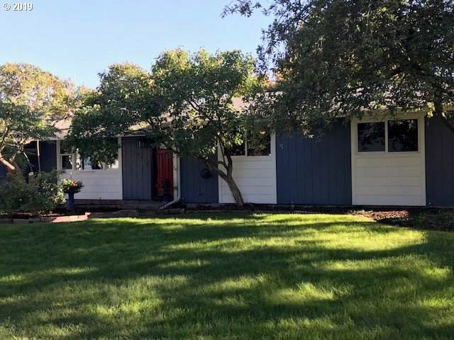 1045 Juanita Ave, Hermiston, OR 97838 (MLS #19348062) :: Townsend Jarvis Group Real Estate